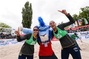 Eduarda Santos Lisboa (links) und Ana Patricia Silva Ramos sind U21-Beachvolleyball-Weltmeisterinnen. (Bild: FIVB)
