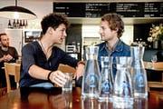 Die Brüder Lior und Morris Etter sammeln mit ihrem Projekt «Wasser für Wasser» zusammen mit Gastrobetrieben wie dem «Hopfenkranz» in Luzern (Bild) Geld für Trinkwasserprojekte. (Bild: Nadia Schärli /Neue LZ)