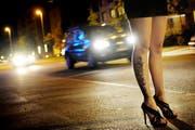 Prostitution ist im Kanton Zug erlaubt. Es gibt weder eigentliche Etablissements noch einen Strassenstrich, so die Polizei (Symbolbild). (Bild: Boris Bürgisser / Neue LZ)