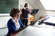 Für Ihre Rechte haben die Instrumentallehrerinnen und -lehrer erfolgreich auf der juristischen Klaviatur gespielt. (Bild: Corinne Glanzmann / Neue LZ)
