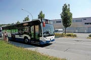 Buslinie 14 Richtung Horw passiert beim Südpol in Luzern. (Bild: Nadia Schärli)