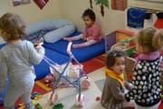 Auch in Willisau können Kinder jetzt mit Betreuungsgutscheinen in die Krippe (Themenbild). (Bild: Pius Amrein / Neue LZ)