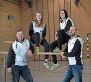 Freuen sich über den Gewinn des «Kulturbatzens» (von links): die Turner Richard Küng, Ramona Allemann, Sabine Beck (Vereinspräsidentin) und Patrick Busmann. (Bild: Corinne Glanzmann (Dagmersellen, 4. Januar 2018))