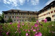 Im Garten des Klosters Wesemlin soll ein sechsstöckiger Neubau mit Wohn- und Arbeitsräumen entstehen. (Bild: Archiv / Neue LZ)