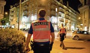 Eine Patrouille der Luzerner Polizei ist in der Stadt Luzern unterwegs. (Bild: Dominik Wunderli (26. September 2014))