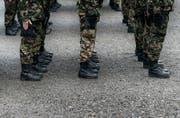 Ein ehemaliger Swisscoy-Soldat lebte mehrere Jahre von gefälschten EO-Formularen. (Symbolbild Keystone)