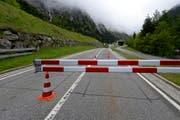 Wegen Belagsarbeiten wird die Gotthardpassstrasse an der Südseite während drei Nächten gesperrt. (Bild: Keystone)