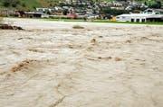 Am 10. Oktober 2011 war die Engelbergeraa zwischen Buochs und Ennetbürgen im Überlastungskorridor über die Ufer getreten. (Archivbild: Matthias Piazza/NZ)