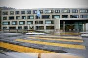 Im Gefängnis Biberbrugg (im Bild eine Aufnahme aus dem Jahr 2010) sind die Platzverhätlnisse eingeschränkt. (Bild: Neue LZ (Archiv))