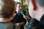 Affäre um Yannick Buttet: Gerhard Pfister versucht, den Schaden zu begrenzen. (Bild: Peter Schneider/Keystone (Bern, 30. November 2017))