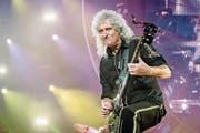 Brian May mit seiner «Red Special»-Gitarre. (Bild: Ferdy Damman/EPA)