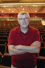 Hier im Saal des Theaters Uri wirkt Heinz Keller (62). Nun erhält er eine Auszeichnung für seine Arbeit. (Bild: Florian Arnold (Altdorf, 31. August 2017))