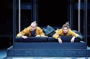 «Unterwerfung» überzeugt mit einer konzentrierten Inszenierung und den Darstellern Martin Butzke und Marie Bonnet. (Bild: Barbara Braun)