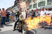 Pirmin Birrer aus Daiwil ist Feuer und Flamme für sein Motorrad. (Bild Dominik Wunderli)