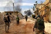 Syrische Truppen patrouillieren in der Region Aleppo. (Bild: AFP)