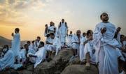Hadsch-Pilger beten auf dem Berg Arafat in der Nähe von Mekka. (Bild: Mast Irham/EPA (Mekka, 31. August 2017))