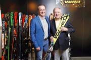 Reto Furrer (46, links) übernimmt neu das Präsidium der Gregor Furrer & Partner Holding AG von seinem Vater Gregor Furrer (77). (Bild Werner Schelbert)