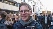 «Bei den Mittelschulen wurde genug gespart. Die Unternehmenssteuern müssen rauf», sagt Matthias Lussi (40), Kantilehrer aus Luzern. (Bild: Martina Odermatt)