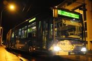 Ein Nachtbus der VBL in Luzern. (Symbolbild Boris Bürgisser / Neue LZ)