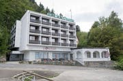 Hier hätten die Asylbewerber einquartiert werden sollen: Hotel Löwen in Seelisberg. (Bild Keystone / Urs Flüeler)