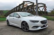 Die Limousine des neuen Opel Insignia wirkt wie aus einem Guss. Komfort und Eleganz werden hochgehalten. (Bild: Matthias Hafen)