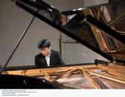 Das ehemalige Wunderkind Kit Armstrong (24) verknüpfte in der Lukaskirche Klaviermusik aus vier Jahrhunderten. Bild: Priska Ketterer/LF