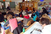 Lehrpersonen setzen sich am Bildungstag mit einem aktuellen Thema auseinander. (Archivbild: Obwaldner Zeitung)