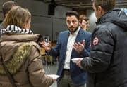 Gewohnt engagiert: der Hilfswerkgründer Severiyos Aydin im Gespräch im Burgbachsaal. (Bild: Patrick Hürlimann (Zug, 3. Februar 2018))