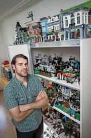 Karim Taha in seinem Lego-Zimmer. (Bild: Pius Amrein (Luzern, 14. August 2017))