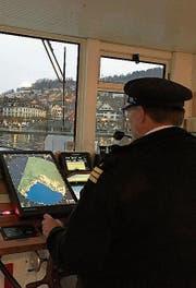 Captain René Simmen erwartet die Gäste zur Glühweinfahrt auf dem MS Schwan. (Bild: PD)