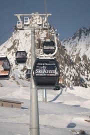 Eine Gondelbahn im Skigebiet Andermatt-Sedrun. (Bild: PD)