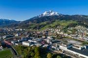 Die Stadt Luzern besitzt nördlich des Pilatus-Marktes in Kriens lukrative Baulandreserven. (Bild: Philipp Schmidli (Kriens, 22. April 2017))