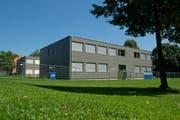 Ein mobiles Schulhaus, hier auf der Krauerwiese in Kriens. (Archivbild Dominik Wunderli)