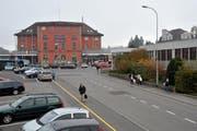 Eine Studie soll zeigen, wie das Bahnhofareal Goldau neu gestaltet werden kann . (Bild: Erhard Gick / Neue SZ)