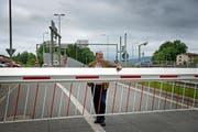 Nationalrat Felix Müri setzt sich schon lange für die Öffnung dieser Barriere ein. (Bild: Pius Amrein (Emmen, 14. Juni 2013))