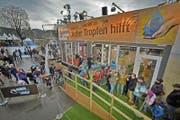 Wie im Jahr 2012 steht die Glasbox auch 2017 wieder auf dem Europaplatz in Luzern. (Bild: Pius Amrein/LZ (Luzern, 17.12.2012))