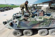 Ein Piranha-Schützenpanzer der Schweizer Armee: Bern verbot dem Hersteller einen Export in den Nahen Osten. (Bild: Laurent Gillieron/Keystone)