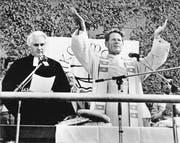 Hans Küng bei einem ökumenischen Gottesdienst im Rahmen des Deutschen Katholikentages in München. (Bild: Rudolf Dietrich/Getty (München, 1. Juli 1984))
