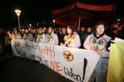 Endlager-Gegner bei einer Demonstration in Stans im Oktober 2008. (Bild Philipp Schmidli/Neue NZ)