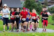 Kurz nach dem Start des Berglaufs Berglauf Hasle - Heiligkreuz- First. (Bild: Beat Blättler)