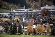 Aussenansicht des Druckzentrums Adligenswil. (Bild: Pius Amrein (Adligenswil, 10. November 2017))