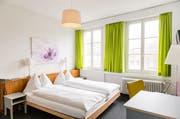 Blick in ein Hotelzimmer des Hotels Stern an der Burgerstrasse in Luzern. Bald sollen Zimmer an der Münzgasse hinzu kommen. (Bild: Roger Grütter / LZ (21. Februar 2015))