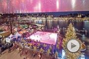 Das alljährliche Eisfeld vor dem KKL wurde eröffnet. Das Bild entstand am Samstag, 25. November 2017. Bild: (Pius Amrein / LZ) Weihnachten, Eisfeld, Eis, Eiskunstläufer, Licht, Weihnachtsstimmung (Bild: Pius Amrein (LZ) (Luzerner Zeitung))