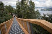 Die Hängetreppe verbindet den Wanderweg von Kehrsiten mit dem Bürgenstock Resort. (Bild: KEYSTONE/Urs Flüeler)