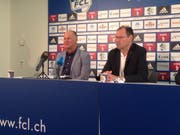Marcel Kälin (links) präsentiert sich an der Medienkonferenz vom 6. September als neuer CEO des FCL. Mit auf dem Bild ist FCL-Mediensprecher Max Fischer. (Bild: Sara Häusermann / luzernerzeitung.ch)