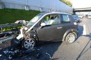 Eines der vier Unfallautos. (Bild: Luzerner Polizei)