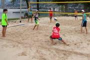 Die Beach-Volleyballer in Action. (Bild: PD/Bildungs- und Kulturdirektion Uri)