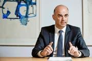 Innenminister Alain Berset (SP) steht mit der Rentenreform vor einer Herkulesaufgabe. (Bild: Freshfocus/Emanuel Per Freudiger)