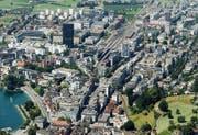 In der Stadt Zug braucht jeder Einwohner und jeder Beschäftigte im Durchschnitt nur 61 Quadratmeter Bauzonenfläche. Dies gelingt nur durch bessere Ausnützung der Bauzonen. (Bild Stefan Kaiser)