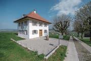 Das 1820 erbaute Waschhaus Castelen nach der Renovation – und davor (unten). (Bilder: Pius Amrein (Alberswil, 6. April))
